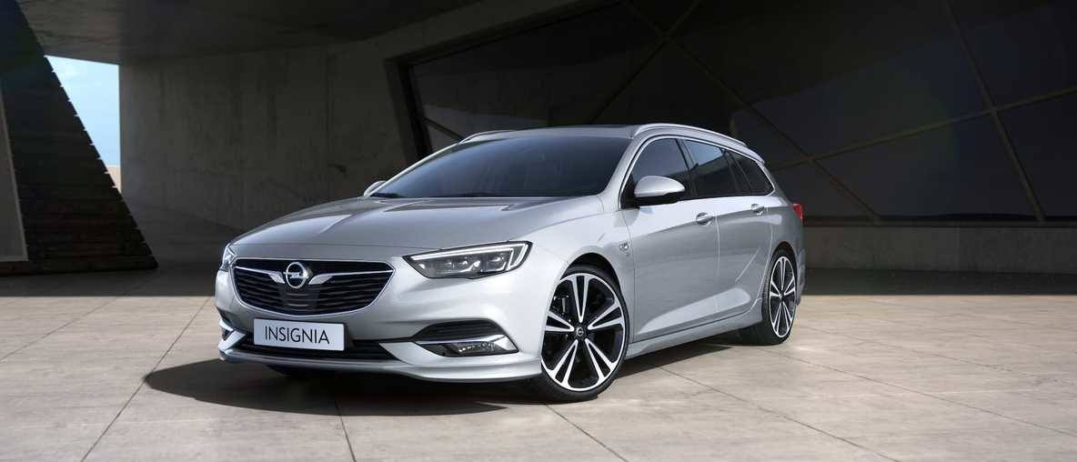 New Opel Insignia Sports Tourer, overground parking